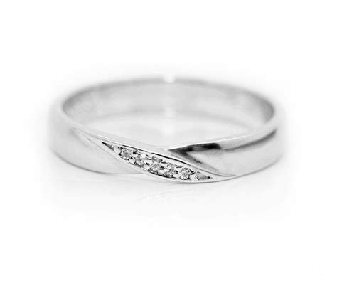 lovely simple shaped wedding ring design from serendipity diamonds a simple twist with