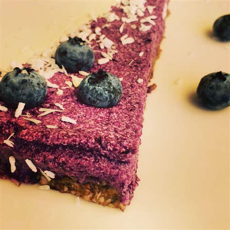 Vegānā melleņu zemeņu kūka. Mans jaunais hobijs - veselīgie deserti:) | Desserts, Food, Cake