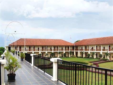 demmerick salib putih hotel salatiga  indonesia room