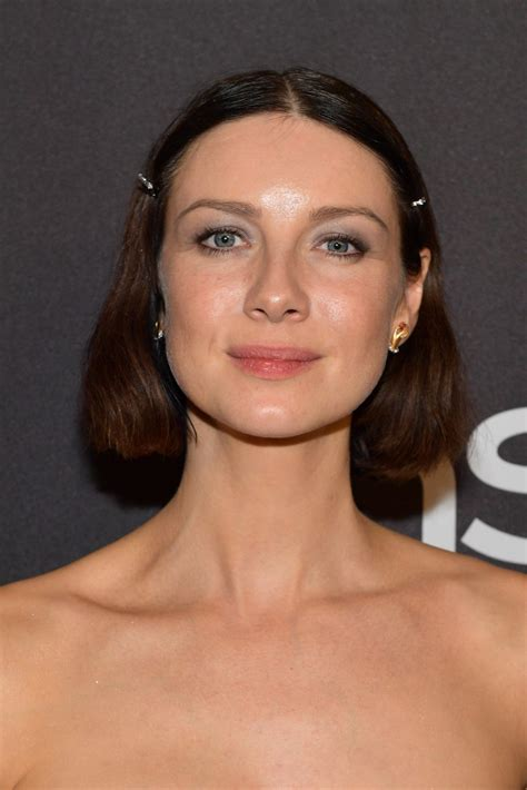 caitriona balfe bob short hairstyles lookbook stylebistro