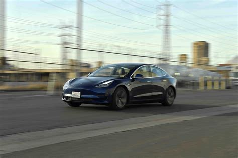 View Reviews Of Tesla 3 Images