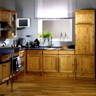 cocina  muebles de pino  piso de madera cocina