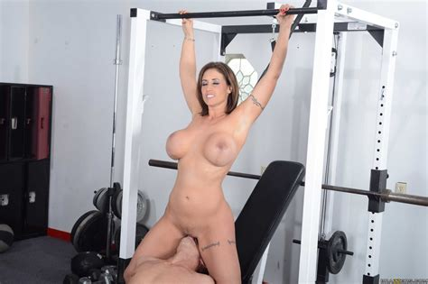 Busty Woman Had Sex In The Gym Photos Eva Notty Milf Fox