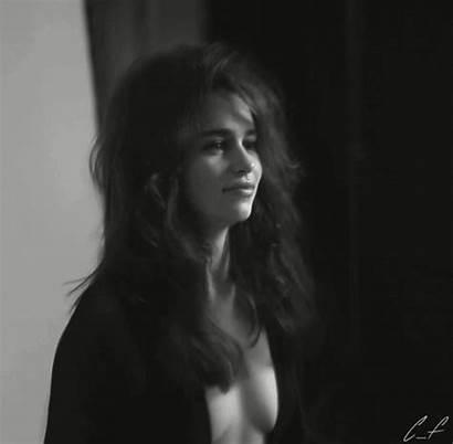 Woman Alive Sexiest Stunning Emilia Clarke Tv