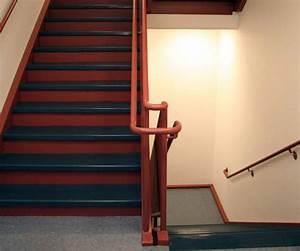 Treppen Streichen Ideen : treppenhaus streichen in 4 schritten zum erfolg ~ Orissabook.com Haus und Dekorationen