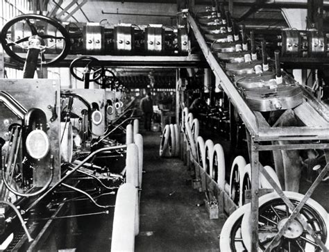 Photos Of The Ford Assembly Line In 1913 - Business Insider