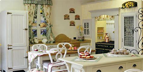 tendaggi per salotti cucine bellissime country