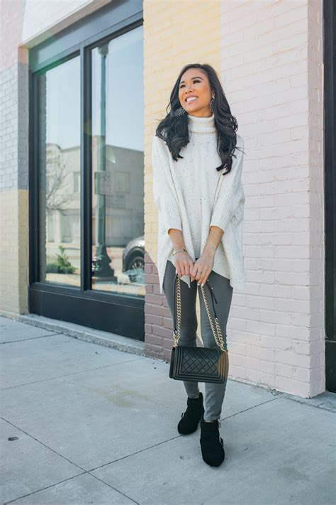 casual winter outfit turtleneck poncho color chic