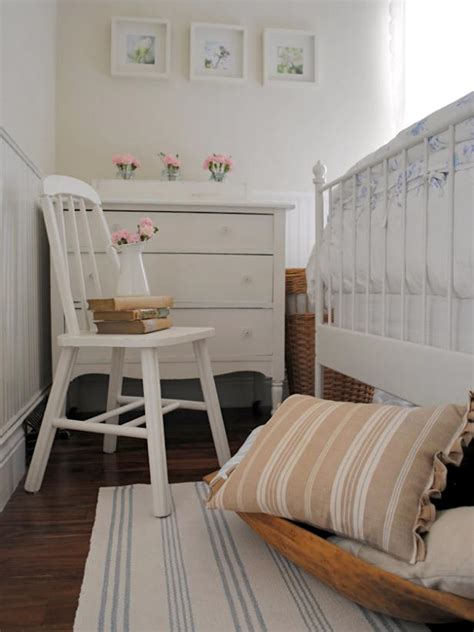 desk for a small bedroom 9 tiny yet beautiful bedrooms hgtv 18640 | 1400952730848