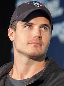 Robbie Amell - Wikiwand