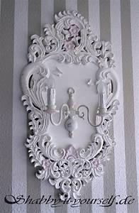 Deckenlampe Shabby Chic : kronleuchter in shabby chic so berarbeitet ihr eure alte lampe ~ Frokenaadalensverden.com Haus und Dekorationen