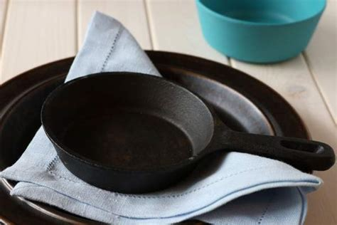 safest cookware material   organic lifestyle