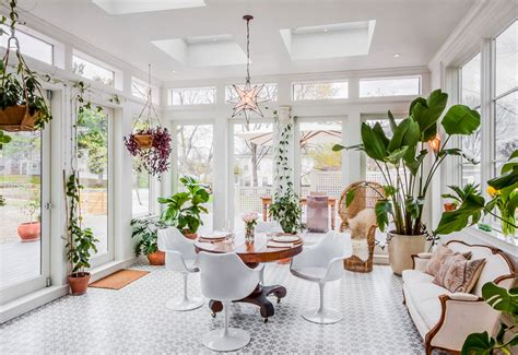 Ways Of Decorating Your Interior With Green Plants