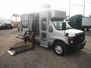 Sell Used 08 Ford E 350 Handicap Van Wheel Chair Lift