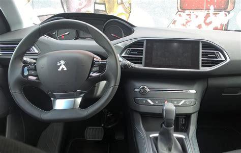 Interni Peugeot 308 by Peugeot 308 Bluehdi 120 Eat6 La Prova Della Compatta