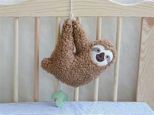 Stofftiere Für Babys : lovemag spieluhr faultier von petiti panda auf bauchgef hl pinterest baby ~ Eleganceandgraceweddings.com Haus und Dekorationen