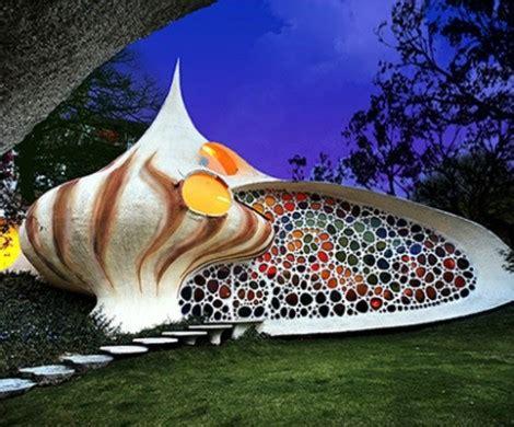 kuriose gebaeude und lustige architektur die seltsamsten