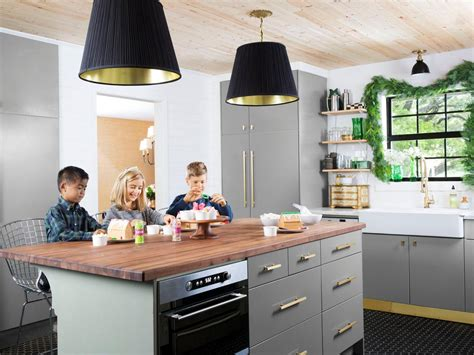 design on a dime kitchen kitchen on a dime hgtv 8649