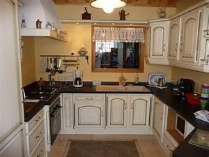 cuisine provencale en chene ceruse cuisines liebart With plan maison en longueur 8 cuisine rustique en chene massif cuisines liebart