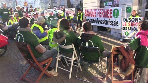 siege de la bnp bizi fait le siège de la bnp faucheurs de chaises bayonne