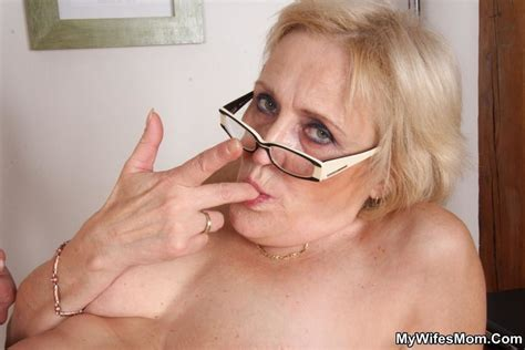 Horny Dude Seduces His Mother In Law To Dir Xxx Dessert Picture 16