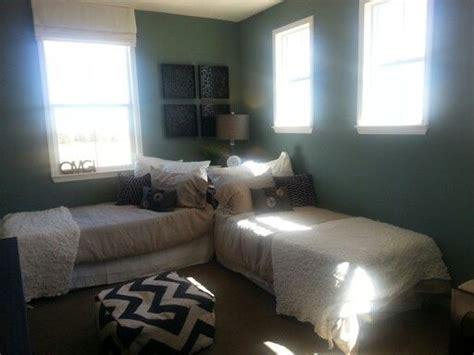 Cute Twin Beds Idea