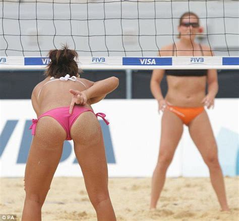 Pictures Beach Volleyball International Day 1 Metro Uk
