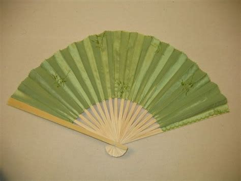 how to make a hand fan 1000 images about diy fans on pinterest oriental hand