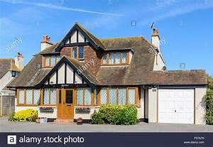 2 Geschossiges Haus : 1930s house uk stockfotos 1930s house uk bilder alamy ~ Frokenaadalensverden.com Haus und Dekorationen