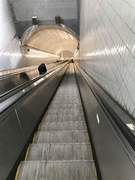 longest escalator ride ive     peachtree