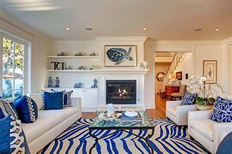 Off Center Fireplace Living Room   [peenmedia.com]