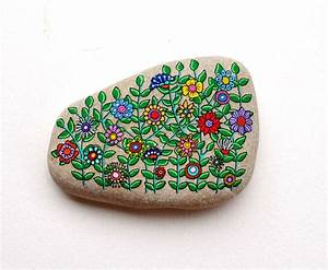 2854 best images about Painted rocks on Pinterest