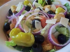 Copy cat olive garden salad and dressing recipe dishmaps for Olive garden salad ingredients