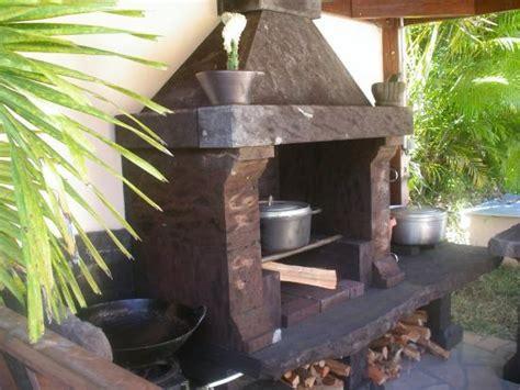 cuisine feu de bois cuisine d 39 été au feu de bois et barbecue de l 39 hébergement