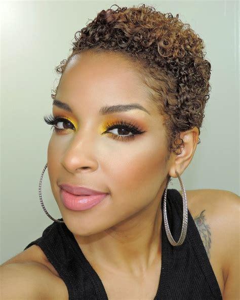 Coupe courte cheveux frisu00e9s femme noire - Recherche Google | Les coupes courtes | Pinterest ...