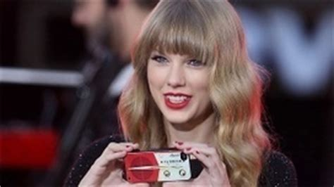Paris Spills Celebrity Phone Numbers  The Hot