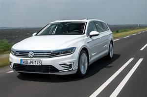 Volkswagen Passat Gte : volkswagen passat gte estate hybrid review pictures auto express ~ Medecine-chirurgie-esthetiques.com Avis de Voitures