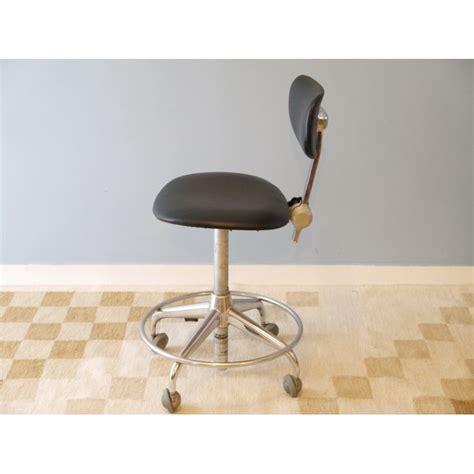 bureau industriel vintage chaise bureau vintage industrielle roulettes la maison retro