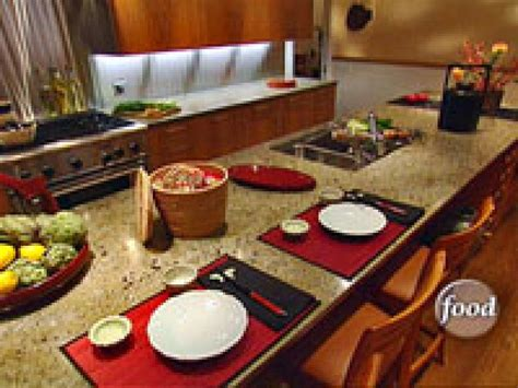 feng shui colors for kitchen designing your kitchen the feng shui way hgtv 8924