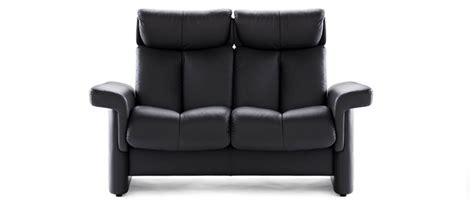 canap駸 stressless prix canap confortable banque moderne table basse en bois et du0027un canap confortable