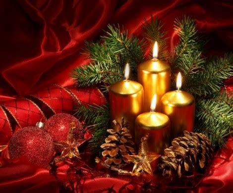 weihnachtsdeko  rot fuer eine romantische feststimmung