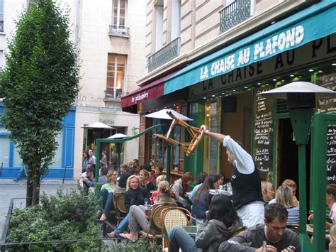 la chaise au plafond bars cafes restaurants
