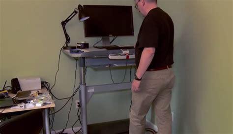 comment linus torvalds travaille debout sur un tapis roulant sciences numerama