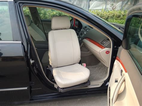 siège de voiture de rotation pour le passager handicapé