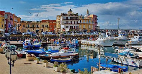 Ristorante Il Gabbiano Pozzuoli Porto Di Pozzuoli Things To Do In Naples