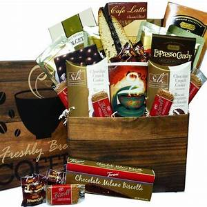 25 Christmas Gift Basket Ideas to Put To her