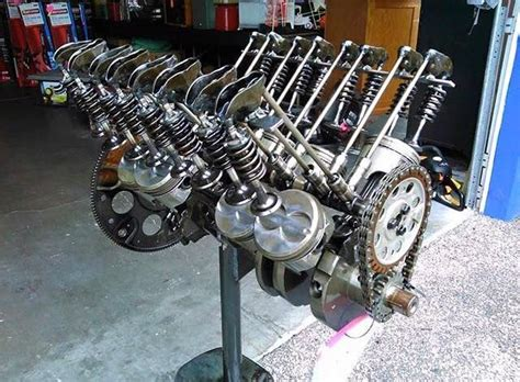 All The Moving Internal Pieces Of A V8 Internal Combustion
