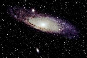 What is the biggest difference between spiral galaxies and ...