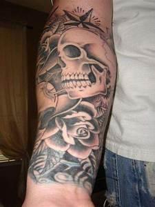 Tattoo Leben Und Tod : right forearm coverup on wrist tattoo ~ Frokenaadalensverden.com Haus und Dekorationen