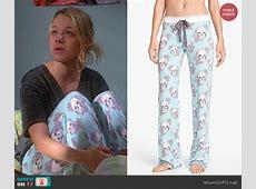 WornOnTV Violet's blue floral skull pajama pants on Mom